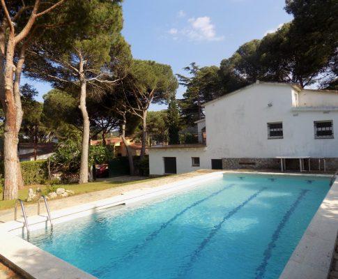 Casa en alquiler con piscina y jardín privados L'Escala