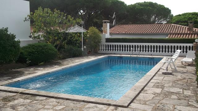 Lescala costa brava casa amb piscina i vistes al mar for Piscinas costa brava