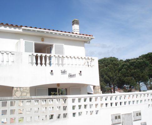 Single house for rent L'Escala community pool
