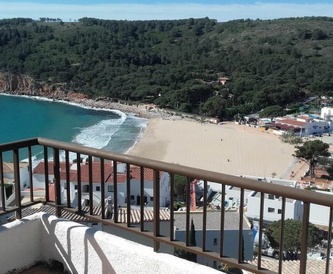 Apartment with panoramic sea views to rent in Montgó