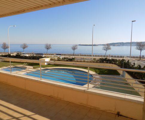 Apartament per llogar a L'Escala gran terrassa vista al mar