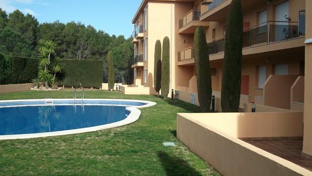 Lescala apartament amb piscina costa brava bosch api for Piscinas costa brava