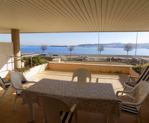 Apartment for rent seafront in La Escala