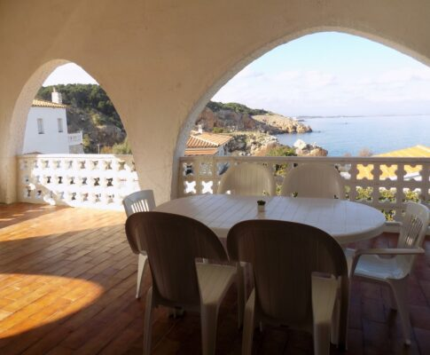 Fantastic sea views house to rent in Illa Mateua