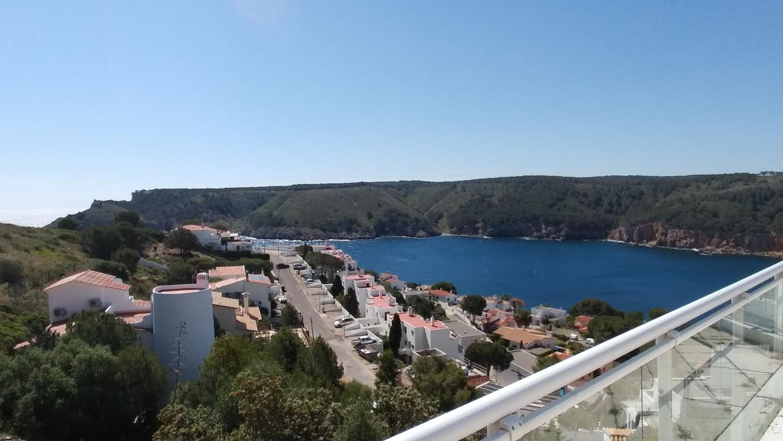 Lescala venta casa piscina vistas al mar costa brava for Piscinas costa brava