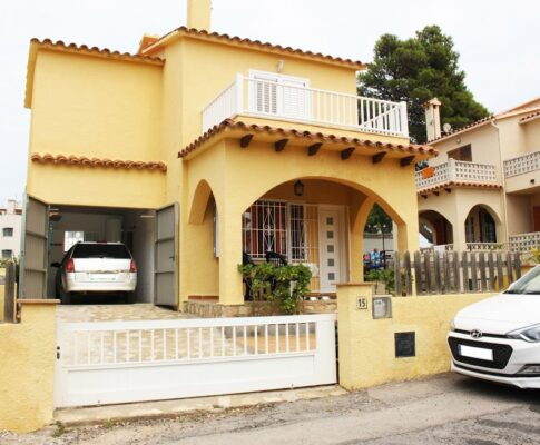 House to rent very close to Riells beach in L'Escala